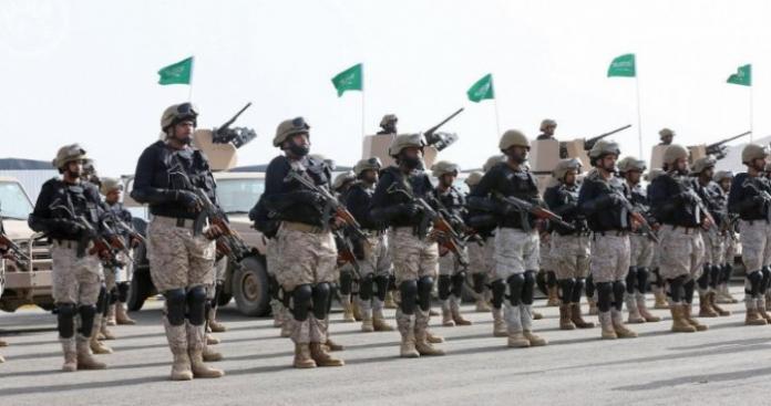 """تقرير استخباراتي يفجر مفاجأة عن قرار لـ""""بن سلمان"""" بشأن الحرس الوطني السعودي"""