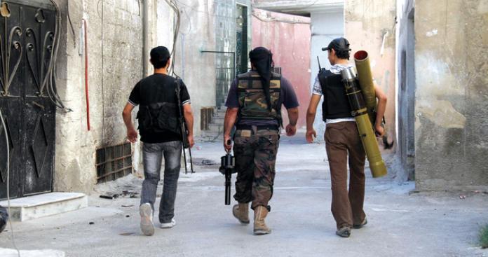 مصدر عسكري لدرر الشامية : حي القابون لم يسقط بيد قوات الأسد بالكامل