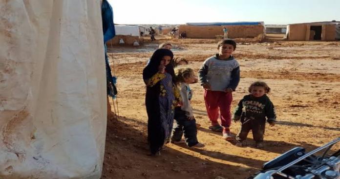 سوء الاحوال المعيشية تجبر دفعة جديدة من النازحين على الخروج من مخيم الركبان إلى مناطق سيطرة النظام