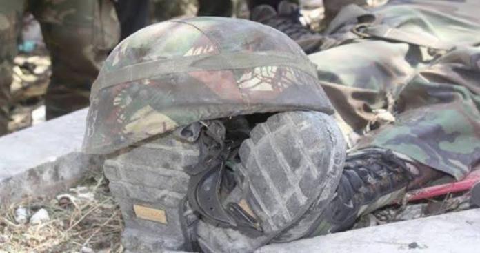 حملوهم ثم ولّوا مدبرين.. صور جوية تظهر هروب جنود الأسد وترك جرحاهم في ساحة المعركة (صورة)