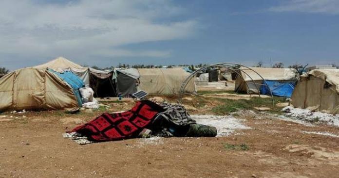 خنق زوجته بدم بارد.. جريمة قتل مروعة تهز مخيمات إدلب