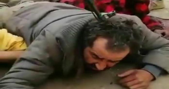 نظام الأسد يعذب عدة مدنيين من ذوي الاحتياجات الخاصة غرب حلب (فيديو)