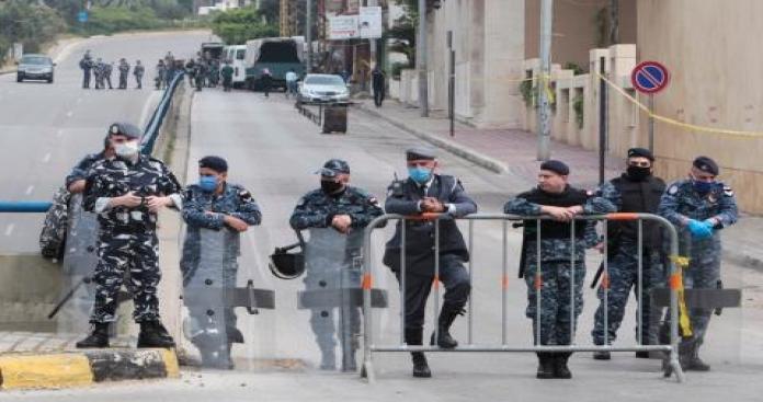 أول تعليق رسمي لبناني على جريمة قتل وإحراق سبعة شبان سوريين في بيروت