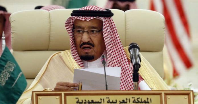 الملك سلمان يوجه أول دعوة رسمية بشأن القمة الخليجية