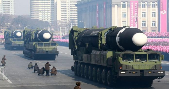 """كوريا الشمالية تبيع أسلحة لميليشيا """"الحوثي"""".. والوسيط: تاجر سلاح موالٍ لـ""""الأسد"""""""