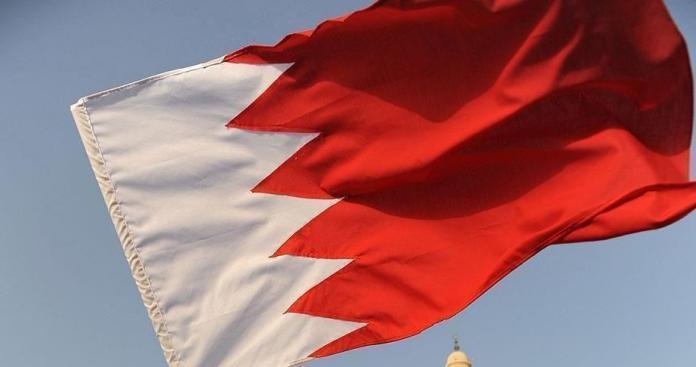 """إجراء عاجل من البحرين بعد قصف لبنان من جانب إسرائيل.. و""""آل خليفة"""" يعلق"""