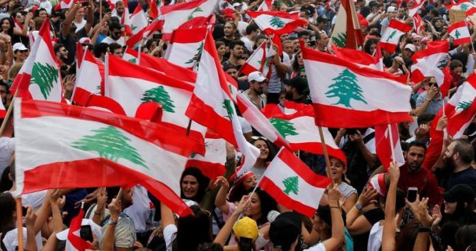 """""""لن ندفع الثمن"""".. مظاهرات حاشدة تملأ شوارع لبنان"""