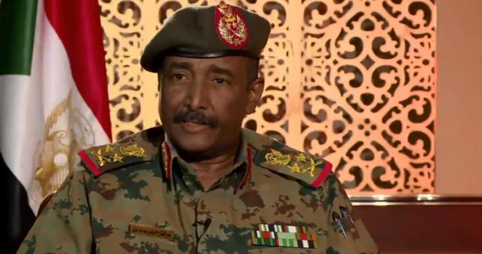 رئيس المجلس العسكري الانتقالي في السودان يكشف فحوى اتصالات من قطر وتركيا