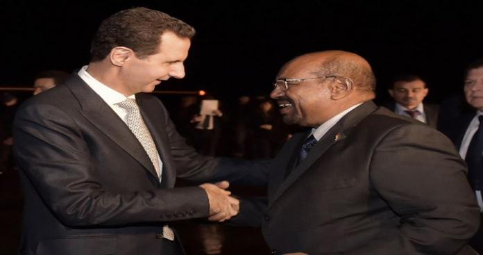 """شاب سوداني: """"البشير"""" لا يمثل شعب السودان.. ضربنا بالكيماوي مثل بشار الأسد (فيديو)"""