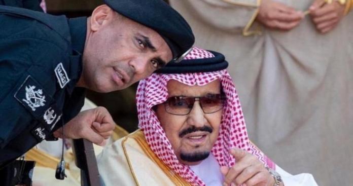 """أمراء من """"آل سعود"""" يفاجئون عائلة قاتل """"الفغم"""" الحارس الشخصي لـ""""الملك سلمان"""" (فيديو)"""