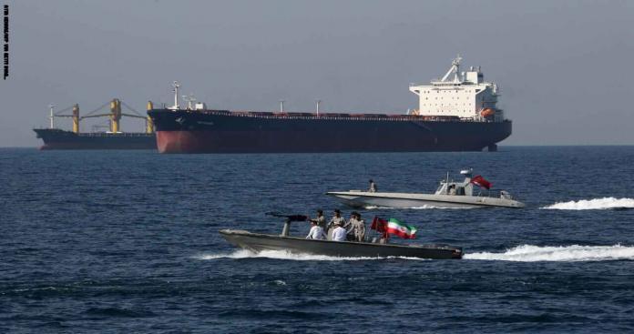 الحرس الثوري يحتجز ناقلة نفط في مياه الخليج