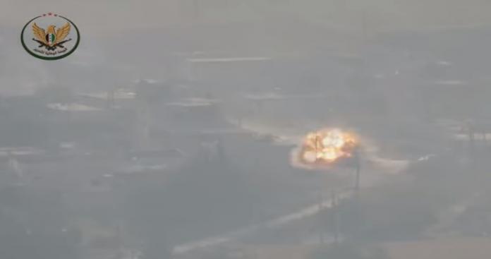 """ضربات """"الجبهة الوطنية"""" تطال """"فيلق القدس"""" بريف حماة.. ومضادات الدروع تعرقل """"جيش الأسد"""" (فيديو)"""
