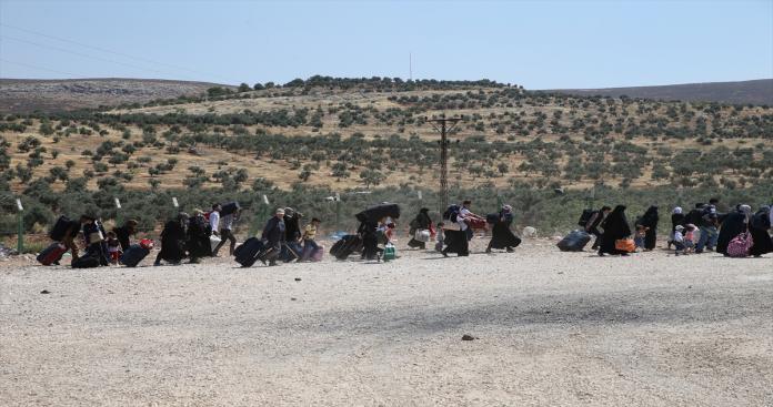 تزايد أعداد اللاجئين السوررين العائدين من الأردن والأخير ينفي وجود ضغوطات عليهم