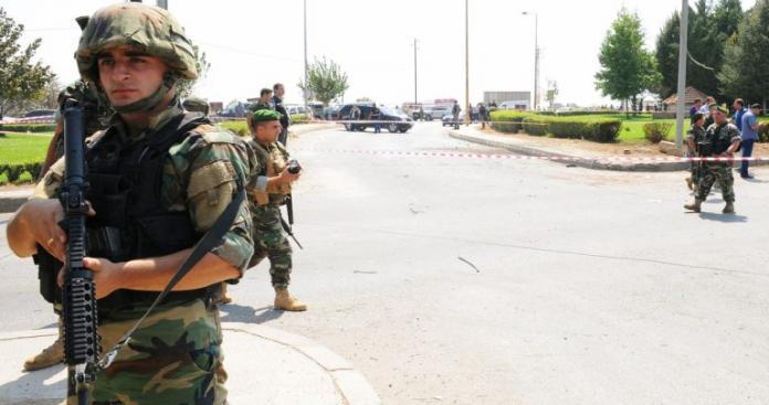 """مقتل وإصابة 5 جنود لبنانين في """"كمين مسلح"""" بمنطقة محازية لسوريا"""
