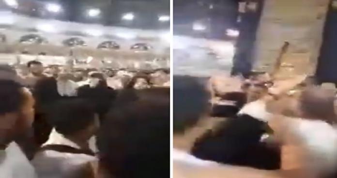 """فوضى في المسجد الحرام.. رجل يصرخ بجوار الكعبة """"أنا المهدي"""" ونساء يهتفن: """"الله وأكبر"""" (فيديو)"""