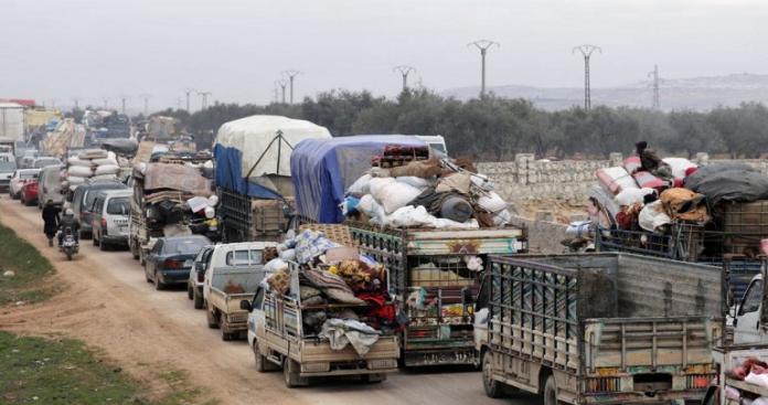 أرقام صادمة عن النازحين من سوريا الأيام الأخيرة.. مئات الآلاف من النساء والأطفال