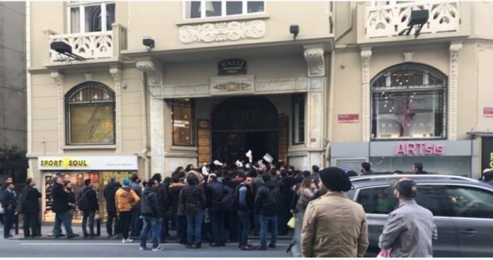 """بعد عودتها للعمل.. قرار صادم من قنصلية """"نظام الأسد"""" في إسطنبول للسوريين"""