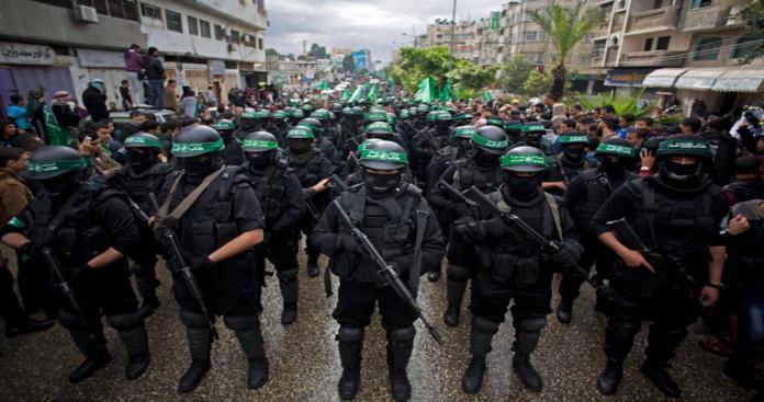 """المخابرات المصرية لـ""""عباس"""": سلاح """"حماس"""" غير قابل للنقاش"""