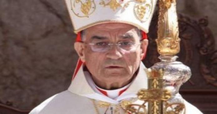 إنتقادات شديدة لأعلى مرجعية مسيحية في لبنان بسبب تصريحاته حول السورييين والفلسطينيين