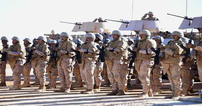 تحرك عسكري مفاجئ يجمع القوات السعودية والباكستانية