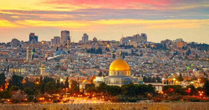 أول رد فعل من الائتلاف السوري على اعتراف ترامب بالقدس عاصمة لإٍسرائيل