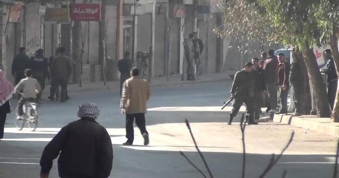 إضراب المحلات التجارية في مدينة قدسيا احتجاجاً على انهيار الليرة السورية