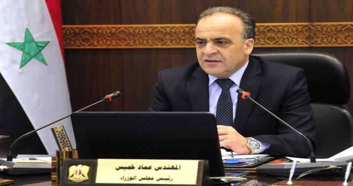 """رئيس وزراء """"حكومة الأسد"""" يحاول تهدئة الغضب في الشعبي في مناطق النظام بوعد لا يمكن تحقيقه"""