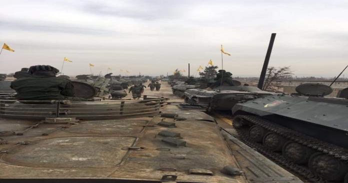 """بعد عرضه العسكري في """"القصير"""".. سياسيون: هذه رسائل """"حزب الله"""""""