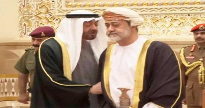 """السلطان هيثم بن طارق يقلب الطاولة على """"بن زايد"""" و""""بن سلمان"""""""