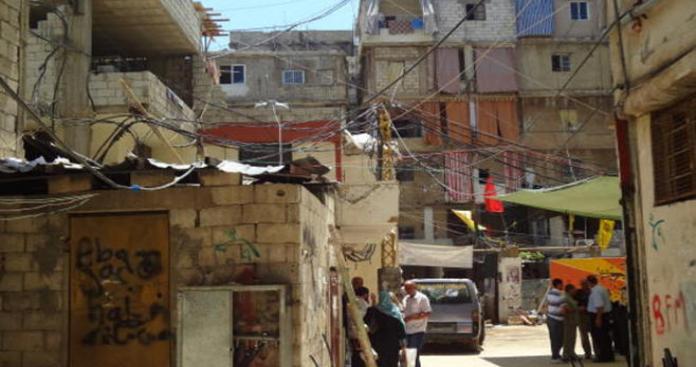 أزمة خطيرة تعصف بلبنان وضحيتها اللاجئين الفلسطينيين