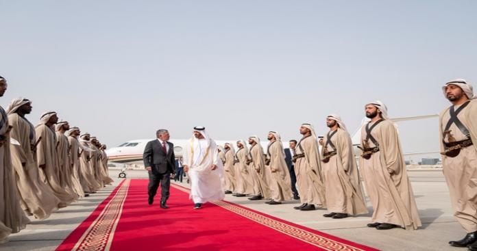 """بعد هروب شقيقته الأميرة هيا زوجة حاكم دبي.. زيارة ساخنة لـ""""ملك الأردن"""" إلى الإمارات"""