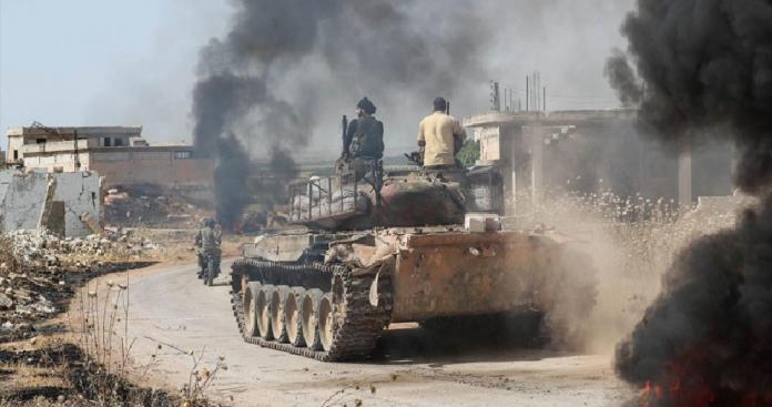 """فصائل """"الفتح المبين"""" تستهدف غرفة عمليات روسية في ريف حماة وتسقط قتلى"""