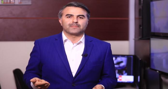 """مقارنة لـ""""موسى العمر"""" تضع مُتهمي """"تحرير الشام"""" بتسليم جنوب إدلب للنظام في موقف محرج (فيديو)"""