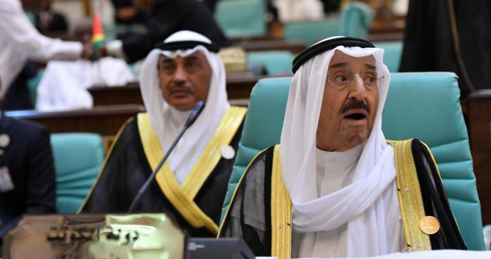الديوان الأميري في الكويت يعلن عن تطور صادم بشأن صحة الشيخ صباح في أمريكا