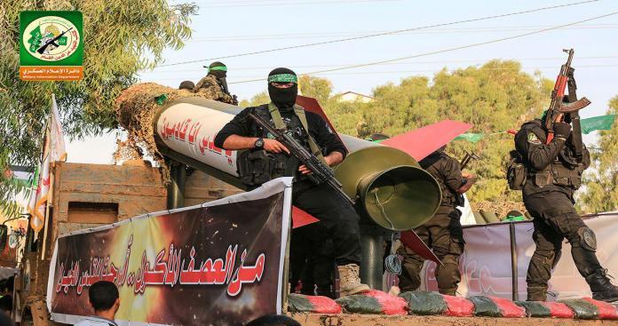 """بالفيديو.. """"القسام"""" تكشف عن تكتيك عسكري أفشل """"القبة الحديدية"""" وأرعب إسرائيل"""