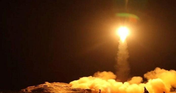 """أصوات الانفجارات تهز جازان.. التحالف يكشف أخطر هجوم بـ""""الباليستي"""" على السعودية (فيديو)"""