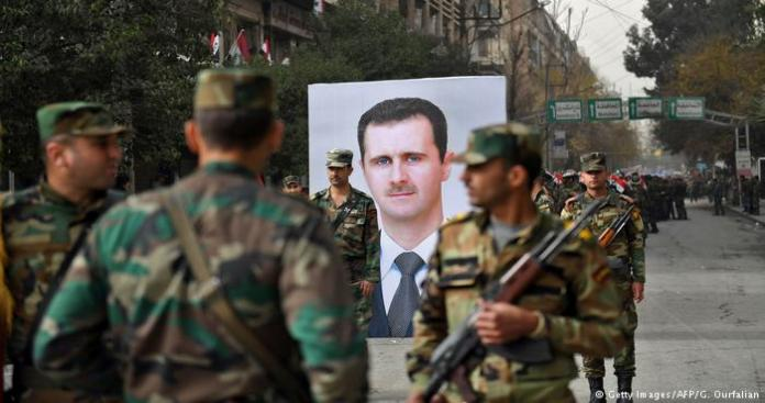 """على وقع معارك حماة.. اقتتال داخلي واشتباكات بين شبيحة النظام في بلدة """"محردة"""""""