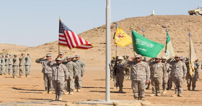 وكالة روسية تفجر مفاجأة عن رواتب القوات الأمريكية في السعودية