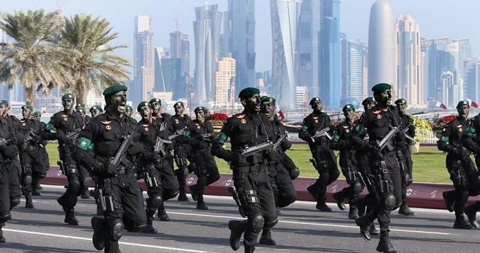 رئيس أركان الجيش القطري في زيارة لدولة عربية خرجت من حلف المقاطعة الخليجية