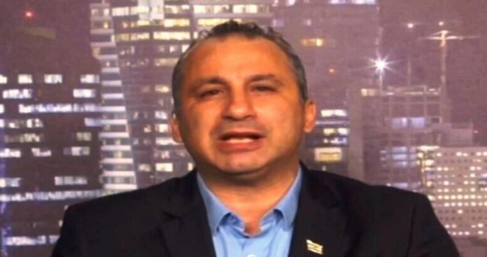 إيدي كوهين المقرب من الموساد يتوقع اغتيال حاكم عربي أو الانقلاب عليه.. هل ملك الأردن أو المغرب؟