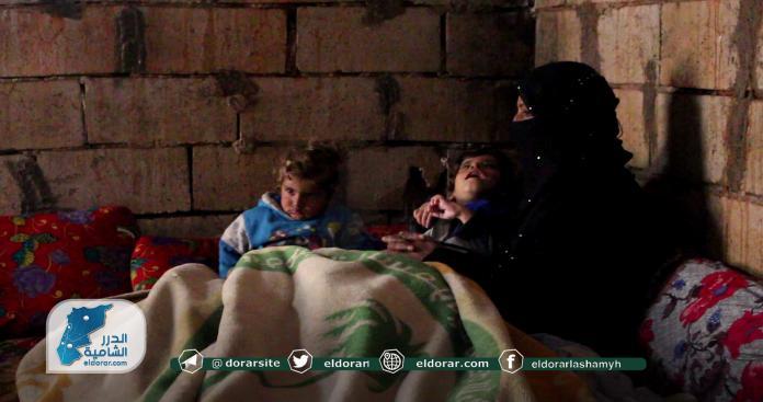 """على أطراف سراقب.. """"الدرر الشامية"""" ترصد مأساة جديدة لم تصل إليها عدسات الإعلام (صور)"""