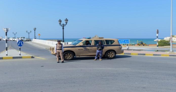 """حملة أمنية نوعية في سلطنة عمان ضد """"شقق الدعارة"""".. وكشف مفاجآت صادمة"""