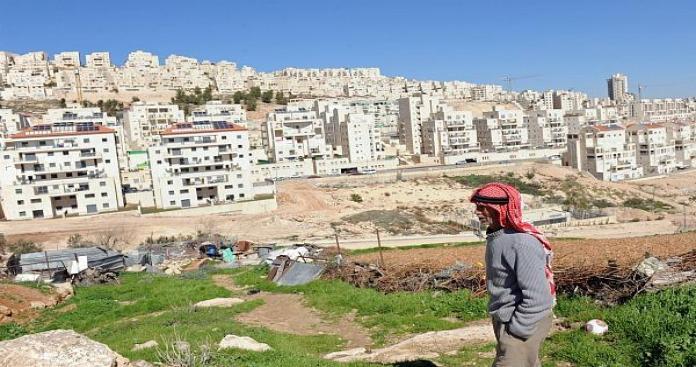 الاستيطان الصهيوني يلتهم معظم أراضي أبو ديس