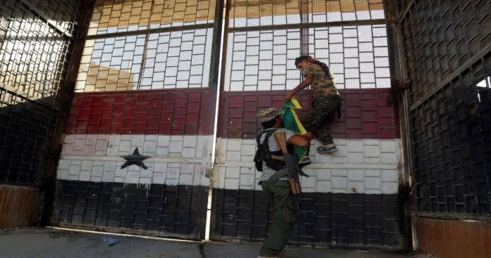 """روسيا تحسم موقفها من قضية المعتقلين في سجون """"نظام الأسد"""""""
