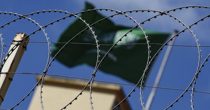 تقرير يكشف رقمًا صادمًا عن أعداد السوريين المعتقلين في السعودية