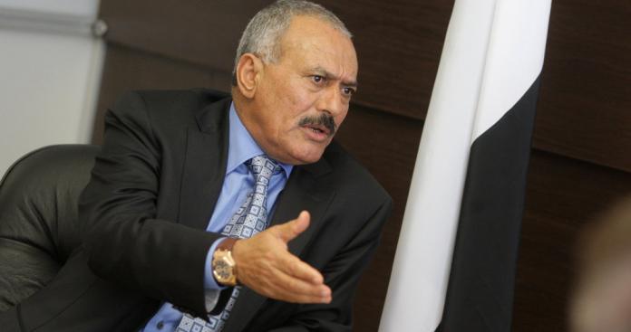 """""""حزب على صالح"""" ينقلب على التحالف العربي.. ويكشف مفاجأة عن ضباط السعودية (فيديو)"""