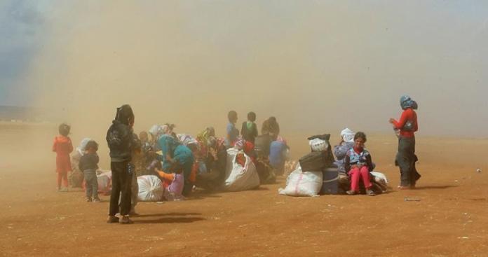 مناشدات دولية للضغط على السعودية لوقف ترحيل 90 أسرة سورية لمنطقة صحراوية