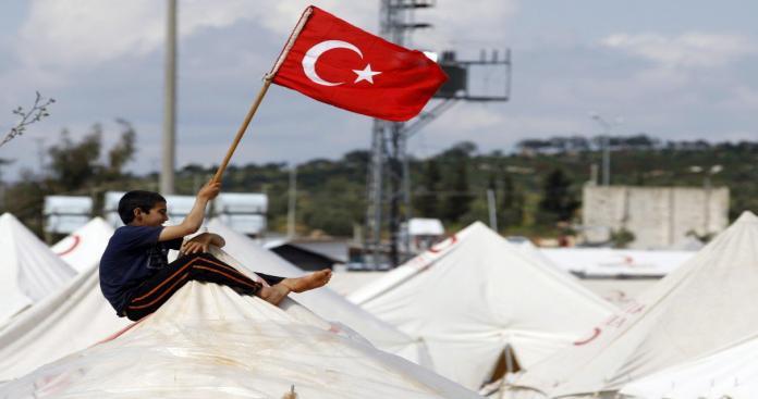 رئيس بلدية تركي ينفذ وعده الإنتخابي بقطع المساعدات عن اللاجئين السوريين
