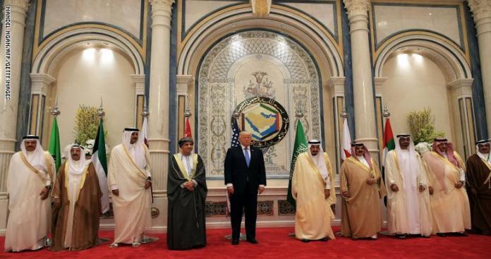 """""""ترامب"""" أصدر تعليماته بشأن الأزمة الخليجية.. مصدر يكشف موعد ومكان المصالحة"""