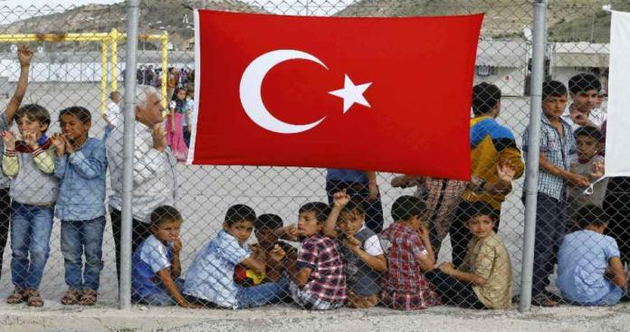 الحكومة التركية بين مطرقة المعارضة وسندان الأخوّة